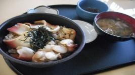 相双家庭料理の代表。さくらめし「ほっきめし定食」(980円)