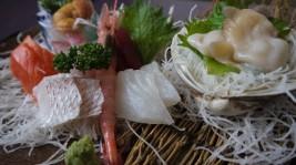 松川浦定食の刺身盛り合わせ