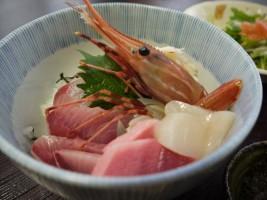 和伊んや、おまかせ海鮮丼