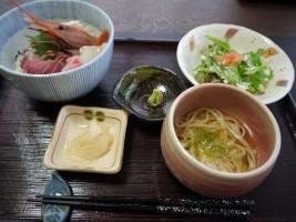 おまかせ海鮮丼セット(1,500円)