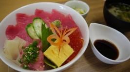 大人気「マグロいくら丼」(1,380円)