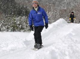 ヨシユキ副園長もスキーを楽しみます