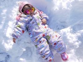 雪あそびが初めてのこも思いっきり楽しみました