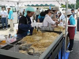 浪江焼麺太国加盟、井戸川商店「なみえ焼そば」おふるまい