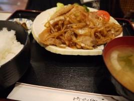 「レストラン かつら」いちおし、しょうが焼き定食(880円)
