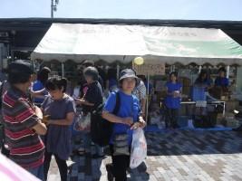 桜の聖母移動文化祭「支援物資配布コーナー」