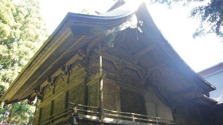 涼ヶ岡八幡神社本殿(重要指定文化財)