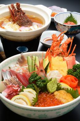 [手づくりの湯 栄荘] びっくり大漁丼(3,150円)