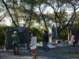 南相馬市原町区、毎年慰霊祭が執り行われる陣ヶ崎公園墓地の慰霊碑