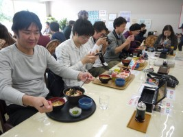 """相馬市、""""復興チャレンジ""""参加店「たこ八」"""