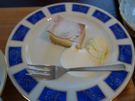 キャラメルチーズケーキ&コーヒーセット(350円)