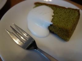 ランチについていた抹茶のケーキ