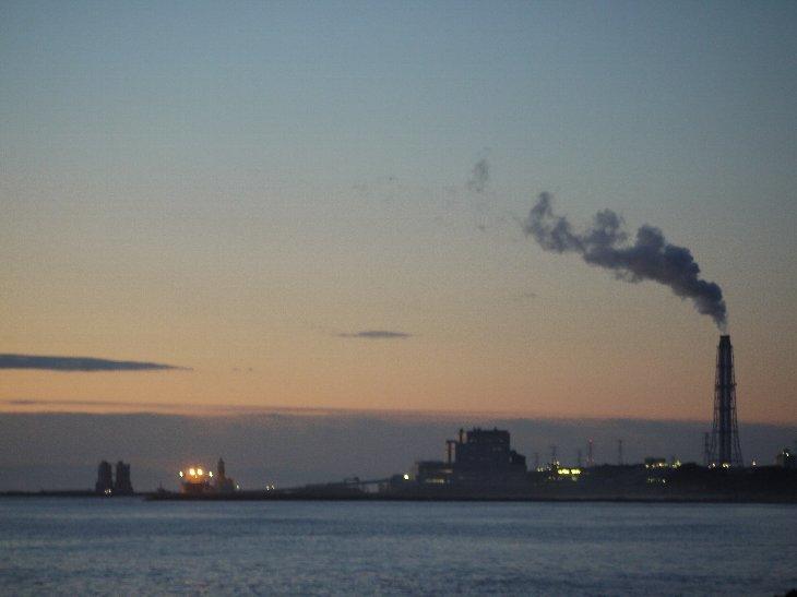 鹿島区南海老から、原町火力発電所