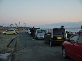 2013年元旦朝、南海老で初日を待つたくさんの方々