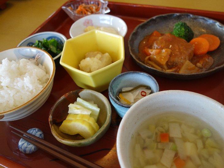 菜の花膳(1050円)