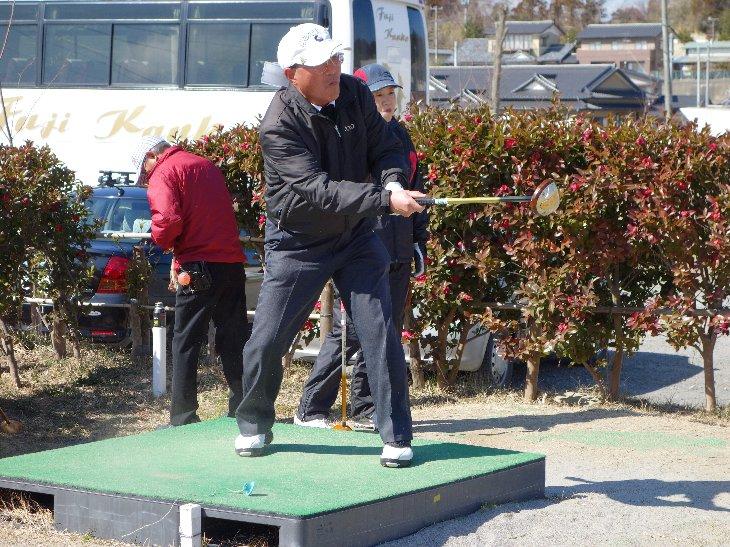 松川浦パークゴルフ場でプレーする秋田県の皆さん