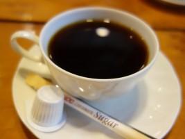 ランチメニューの食後にコーヒー付き