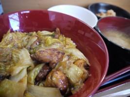 伊達鶏のカレー味から揚げ入り白菜あんかけ丼