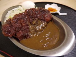 """""""みんなのキッチン""""ソースカツカレー(980円)"""