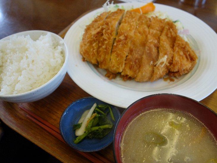 ジャンボチキンかつ定食 ¥630