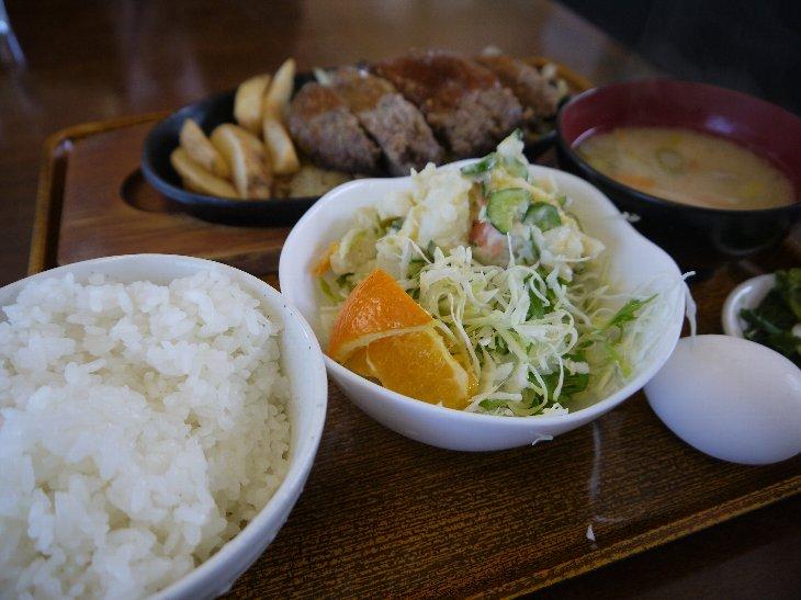 相馬牛ハンバーグ定食 ¥950