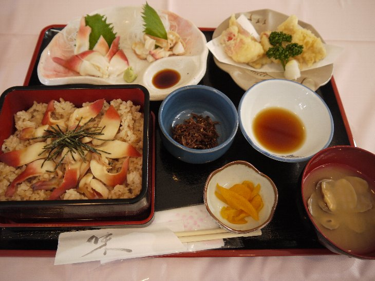 [お食事処 たこ八]たこ八のホッキ三味(1,890円)
