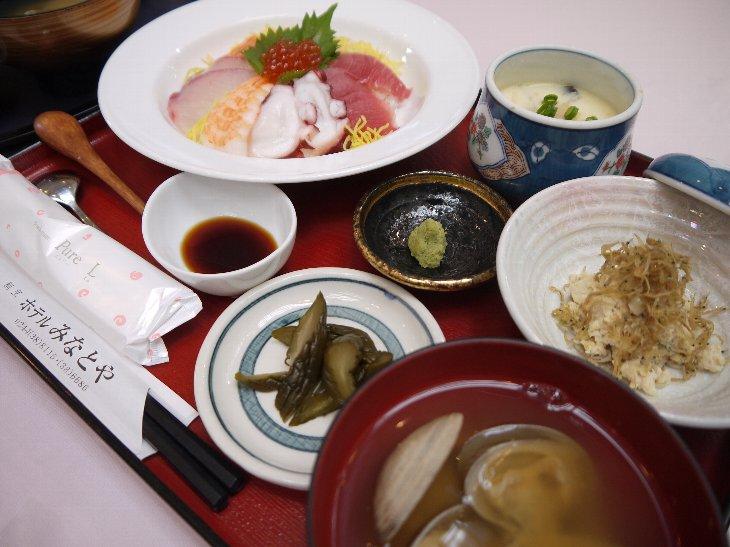 [ホテルみなとや]海鮮丼(980円)