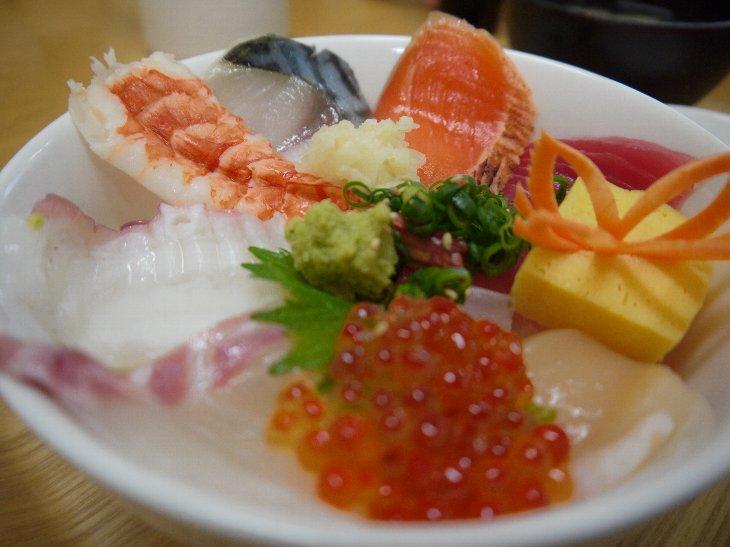 [第4弾 松川浦復興チャレンジ]文字島の海鮮丼(980円)