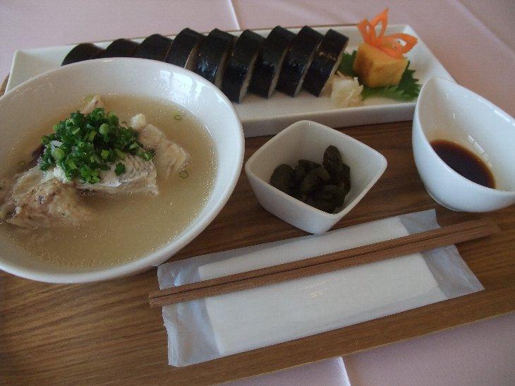 [市場食堂割烹の宿 文字島(仮店舗)]鯖棒寿司(980円)