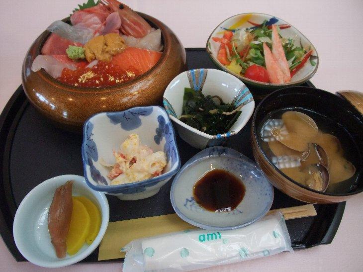 [齋春商店]彩り丼(1,800円)