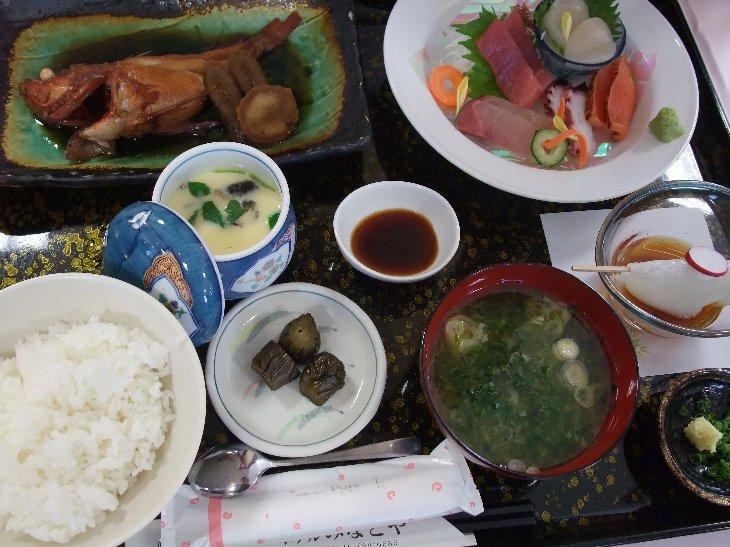 [ホテルみなとや]吉次煮魚定食(2,800円)