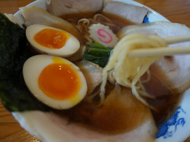 箸上げ チャーシュー麺バラ