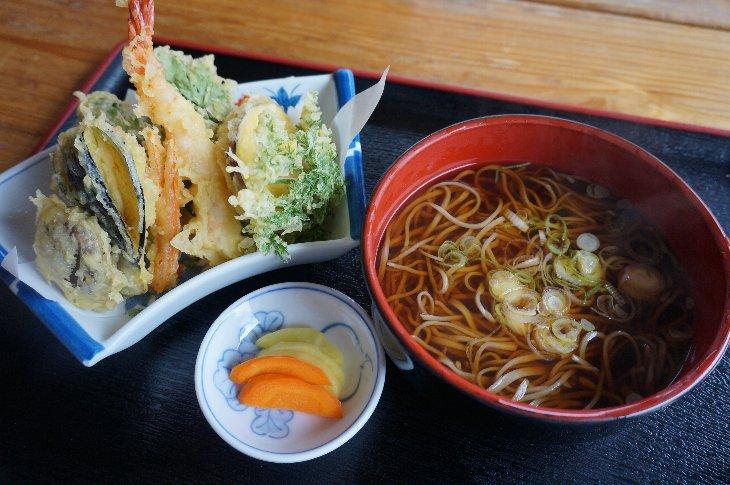 天ぷらそば 1,300円
