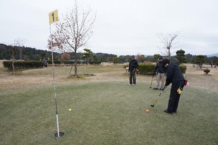 パークゴルフを楽しむ秋田県の皆様