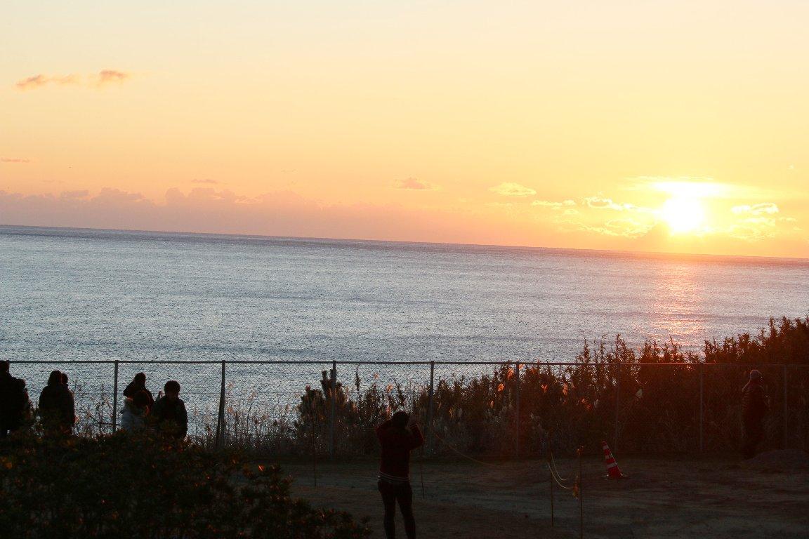 楢葉町・天神岬で、2016年、相双を照らす初日の出