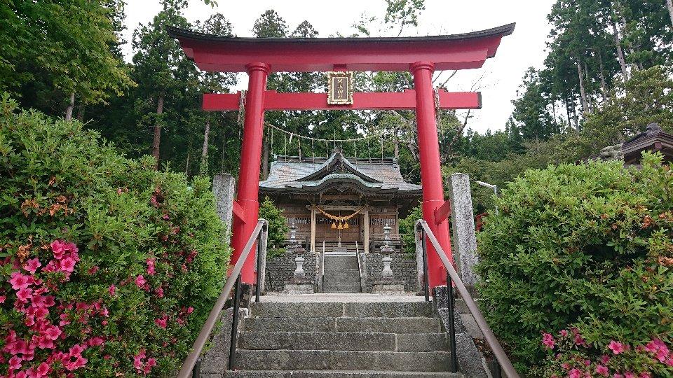 富岡上手岡麓山神社2